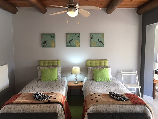 Sabie, South Africa: Apartment A, Family unit (Twin beds & Queen Size Bed)