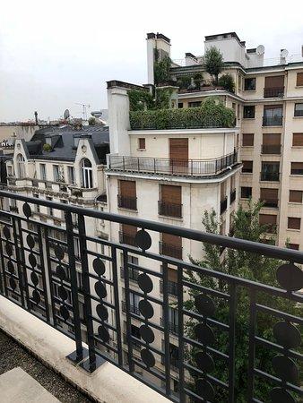 Melia Paris Tour Eiffel: Main bedroom balcony - Room 803