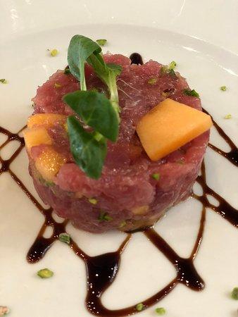 Il Salumaio di Montenapoleone: Tartare di tonno con melone.