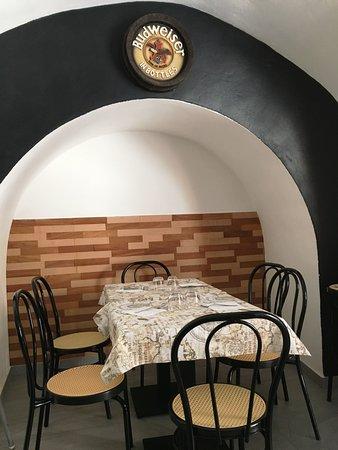 Anonymous Trattoria Gourmet : Interni