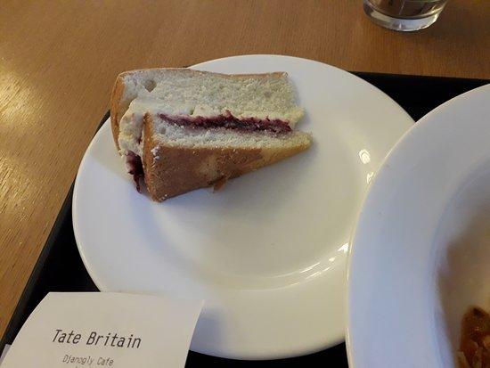 Djanogly: Victoria Sponge Cake