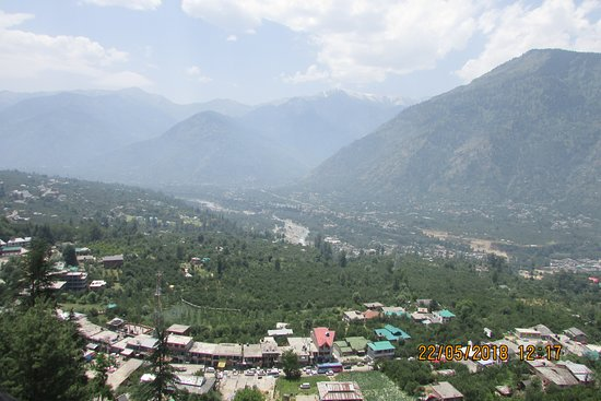 Naggar Castle: View of the valley from the castle