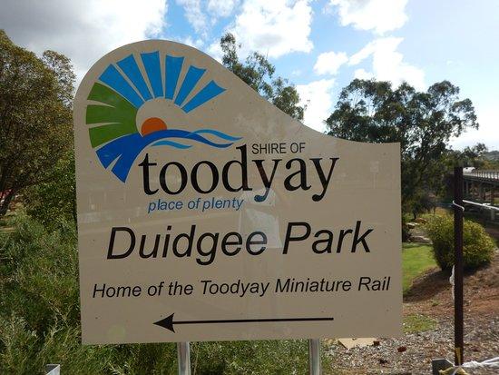 Duidgee Park Toodyay: Street Sign
