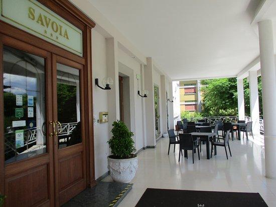 Hotel Savoia Palace : Il portico all'entrata