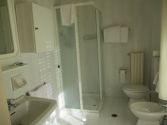 Hotel Savoia Palace : Bagno in camera
