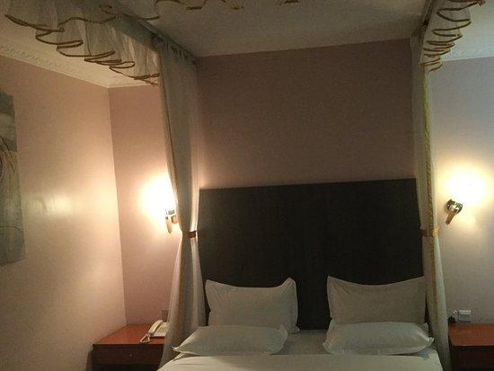 HBT Russel Hotel Bild