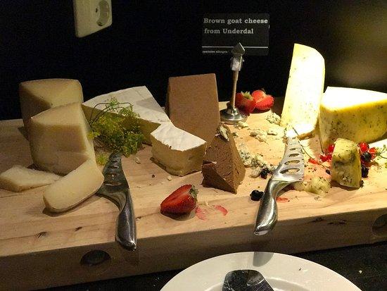 Fretheim Hotel Restaurant: Buffet Spread