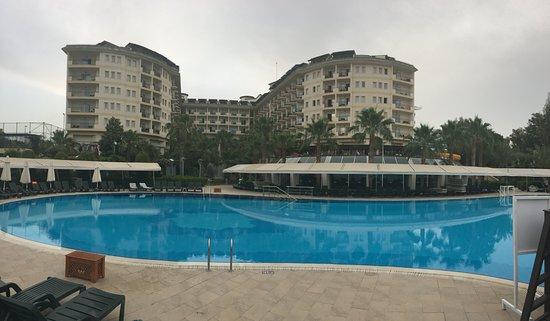 Mukarnas Resort And Spa Hotel: Main pool