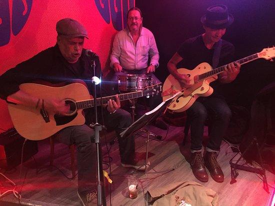 Le Who's Bar: Marzhim Schawn Blues Band, ça envoie !