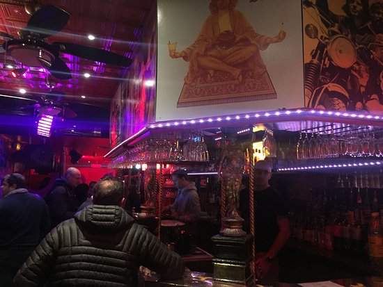 Le Who's Bar