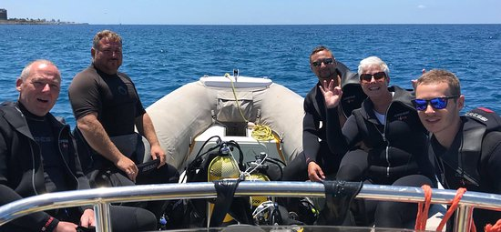 Top Diving Gran Canaria: Certified Divers going for a boat diving trip