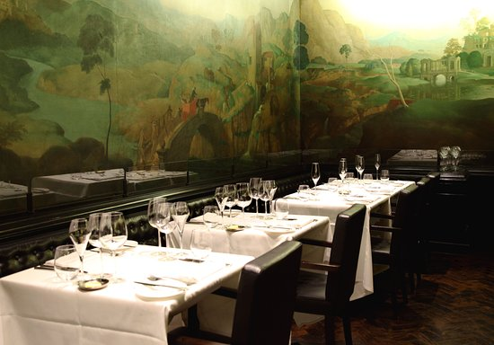 The Rex Whistler Restaurant, Tate Britain: Tables set up in the restaurant with Rex Whistler's 1927 Mural