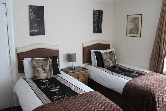 Pitfaranne Guest House: Twin Room