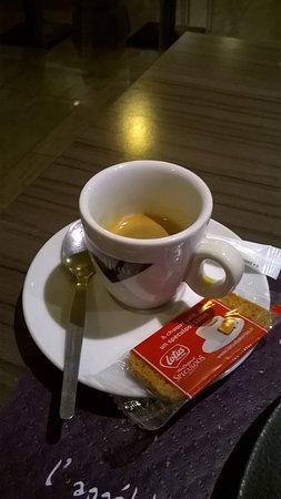 Le Cachepiou: buen cafe expresso
