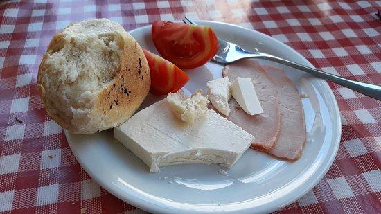 Pivnica Gusan: doručak za goste Sterijinog pozorja