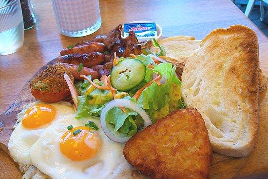 Lemon Bay Cafe: LB Big Breakkie. Lemon Bay Café.