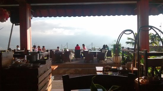 Kusuma Agrowisata Hotel: Restaurant With Good Scenery