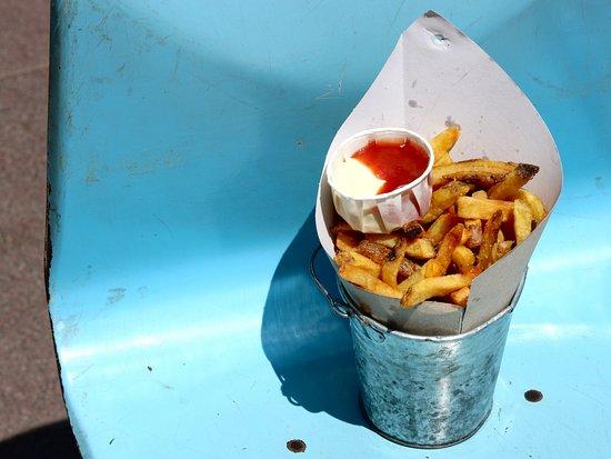 Makamaka: Classic Fries & Wasabi-Mayo and Homemade Ketchup