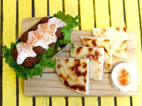 Makamaka: Falafel Sliders