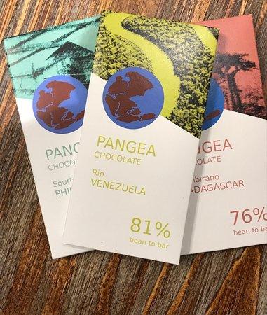 Casa Dolca Farrero :  Pangea, chocolate made in Aitona, Catalonia, made by Xavier Palau. Academy of Chocolate Awards