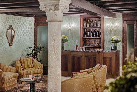Hotel Pausania: lounge bar