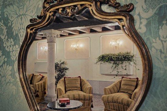 Hotel Pausania: dettaglio lounge
