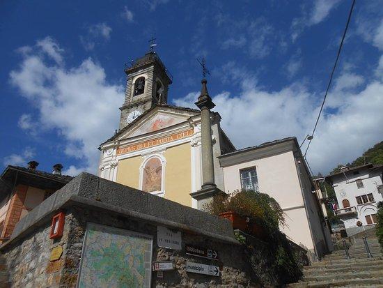 Piedicavallo, Italia: Esterno chiesa