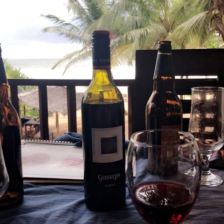 Bentota Rock Beach Restaurant ภาพถ่าย