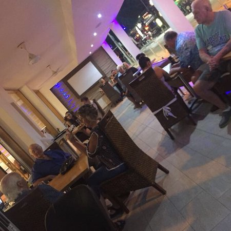 Louie paul bistro Paphos: Always busy and great food