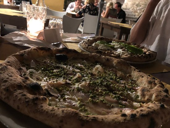 Best pizza in Taormina. No competition.