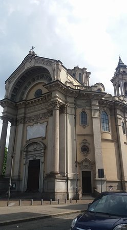 Chiesa Parrocchiale di Sant'Alfonso de' Liguori: Esterno chiesa