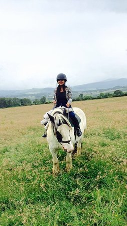 Visite de Wicklow et de Glendalough au départ de Dublin : Horse riding with the best view ever