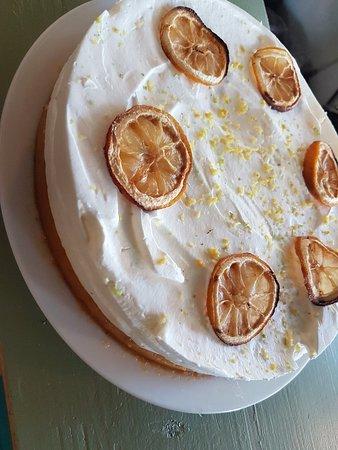 Le Paradiso : Tarte glacée. Pâte sablée aux zestes de citron. Marmelade abricot orange pomme. Chantilly au cit