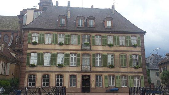 Musée Théodore Deck et des Pays du Florival: Musée