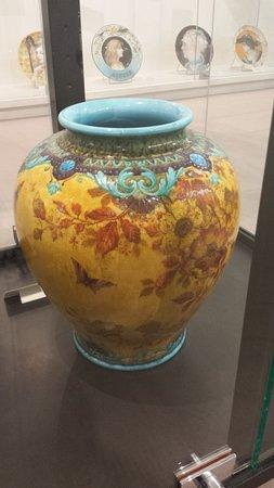 Musée Théodore Deck et des Pays du Florival: Vase Théodore Deck