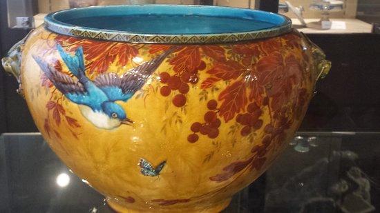Musée Théodore Deck et des Pays du Florival: Pot de fleur