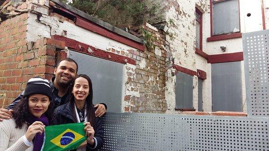Angelica - Guia em Liverpool & Pais de Gales: Casa do Ringo Starr em Liverpool - Passeio com Brasileiro - Portugues