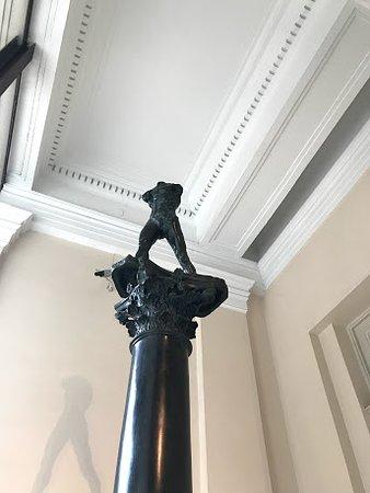 หอศิลป์ประจำรัฐ: Metalinguagem, coluna sobre coluna