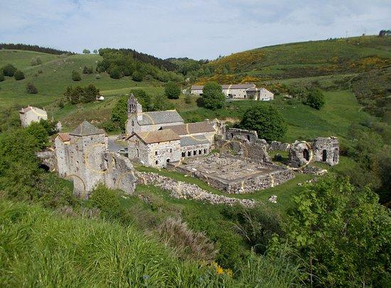 Mazan-l'Abbaye, Prancis: magie de l'artiste par son anamorphose mettant en valeur l'Abbaye