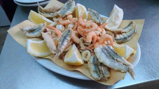 Furci Siculo, Italy: Taverna Re Mare