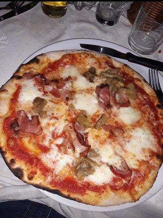 Ramazzano, Italien: Trilogy Club Pizzeria Ristorante Pub