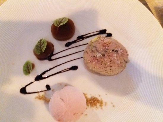 Restaurant Le Parvis: terrine de foie gras de canard mi-cuit au vin doux naturel de Rasteau