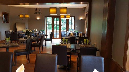Ciney, Belgium: Un lieu très chaleureux, et une cuisine généreuse ! Bon point pour le mixed grill proposé certai