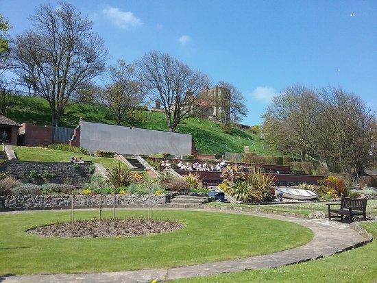 Crescent Gardens: Filey
