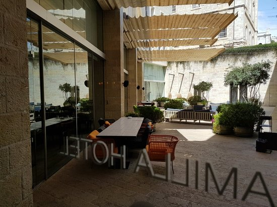 Mamilla Mall - Mamilla Boutique Hotel & King Herods