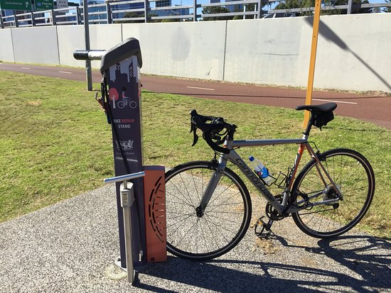 Bike Hire Perth - Cycle Centre: even free repair stands around town!