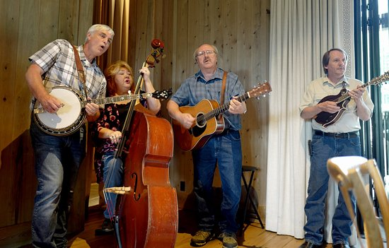 Blackberry Farm: Misty River band at the barbecue