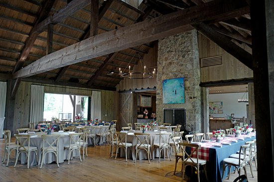 Blackberry Farm: Barbecue dining room