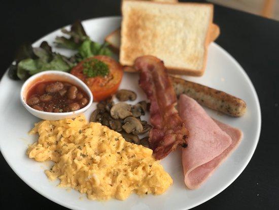 เดอะ เซอเคิล คอฟฟี่ บูติก - ฉลอง: Breakfast set