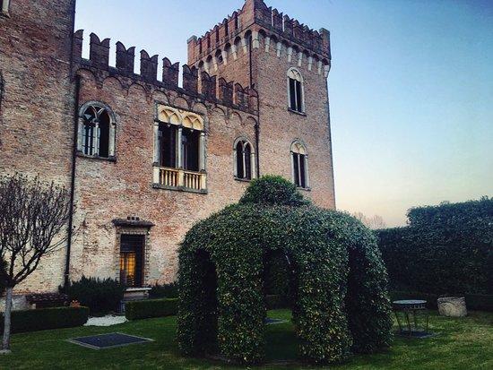 Il Castello di Bevilacqua: The Castle
